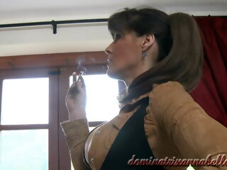 Dominatrix Annabelle has sex..