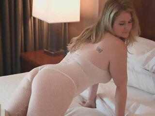 Patreon Ellie Renee in sexy..